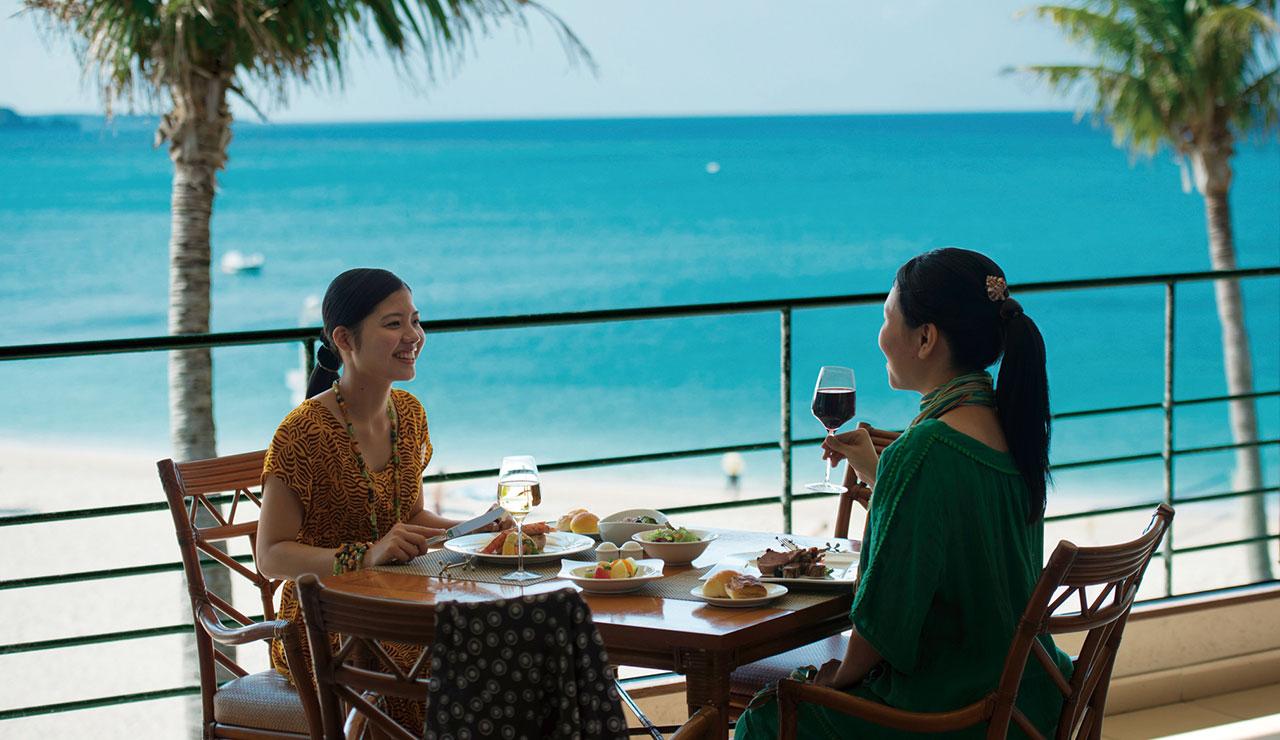 ホテルムーンビーチのレストラン